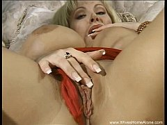 Blonde Housewife Slut Plays With Pussy