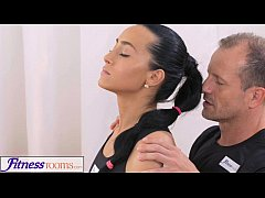 FitnessRooms Gym Bunny Fucks Her Personal Fitne...