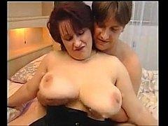 deutsch MILF Big Tits mehr auf der Seite  Fraue...