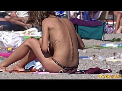 Amateur Young Gorgeous Topless Teens Beach Voye...