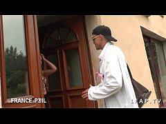 Une petite francaise appelle SOS Sodomie pour s...