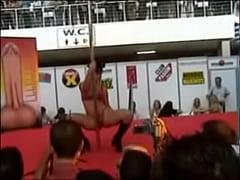 Festival erótico porno de Barcelona 2003 - Tania -Striptease integral xxx
