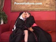 Padre comendo a freira - caiuwhatsapp
