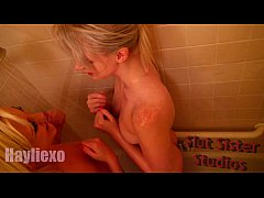 Safada toca punheta para dotado no banheiro e faz amor