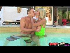Chastity Lynn and Evita Pozzi anal threesome in...