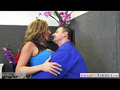 Brown haired Richelle Ryan gets facialized in t...