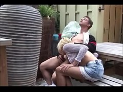 Public sex in park - whatch this blonde at swee...