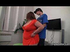 Fat girl seduces skinny guy