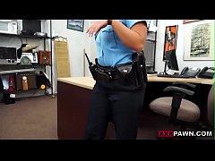 Policial Gostosa Fodendo por Dinheiro http://ad...