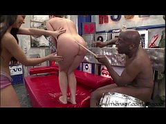 Linda and Dominica gets a messy hot cum from th...