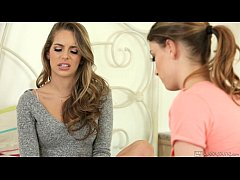 Kristen Scott makes Kimmy Granger curious - Girlsway