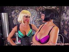 Hot Milf Julia Ann gives Blowjob with Girlfriend!