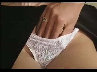 adolescente masturbazione in segreto