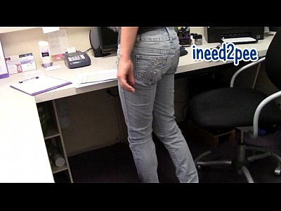Star Nine wetting her panties & skintight jeans omorashi peeing