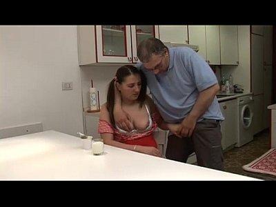 Redtube pai vulnerando a filha