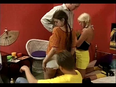 Lesbo Seventeen video: Club Seventeen - Young Teens