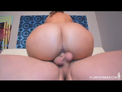 Sexy Big Ass Boss Lexxxi Lockhart Fucks Office Stud