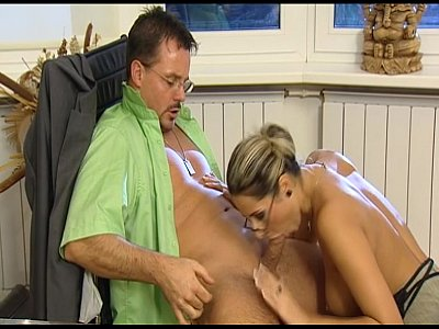 German Amateur movie: Office Fuck - Den Chef ficken für mehr Geld - Erotic Planet german