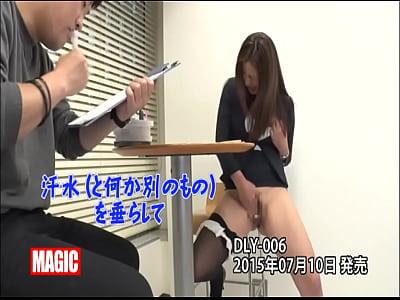 AV会社に入社する美女!試験の時からエロスが!入社後も体を張って仕事をします!