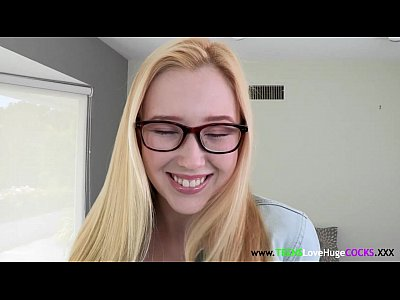Blonde Glasses Facial video: Flexible sizequeen teen in glasses facialized