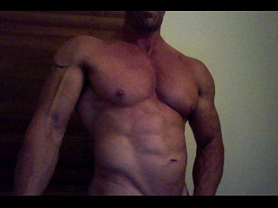 Musculoso safado gay Jake na masturbação caseira