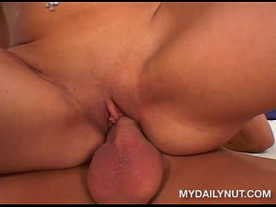 Sexo com a deliciosa estrela porno Monica Breeze