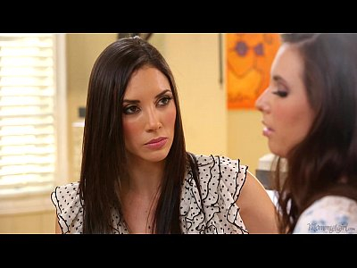 Lesbians Licking video: Jelena Jensen and Casey Calvert at Mommy's Girl