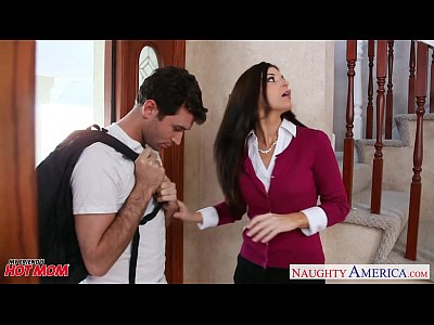 Brunette Fuck Hardcore video: Small titted mom India Summer fucking