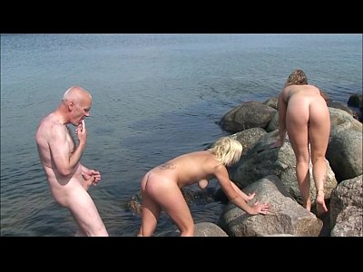 Bosorog Cu Pula Mare Fute Doua Blonde Pe Plaja