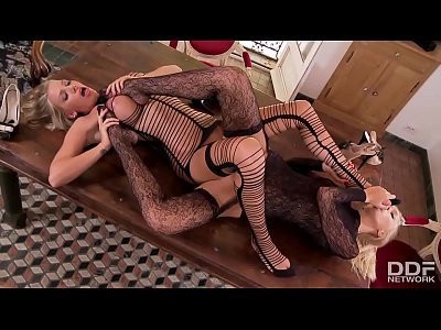Ddfporn Ddfnetwork Europorn video: Must See - Extra incredible Blonde Lesbians in Stockings go Anal!