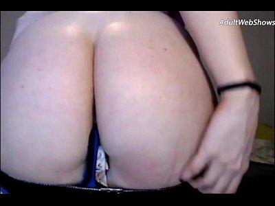 Giocoso rossa succhia un cazzo nero - adultwebshows.com