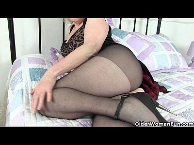 Cougar,Gilf,Grandma,Granny,Hd,Masturbation,Mature,Milf,Mom,Nylon