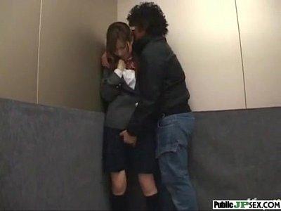 エレベーターでブルマを脱がされて痴漢される制服美少女 |