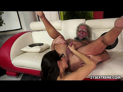 Geek girl Carolina loves to fuck older guys
