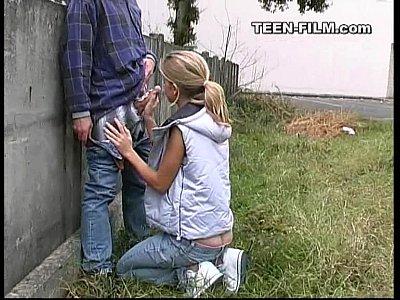 teen outdoor suck jpg 1500x1000