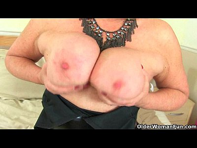 British Cougar Diana video: British milf Alisha Rydes masturbates in fishnet tights