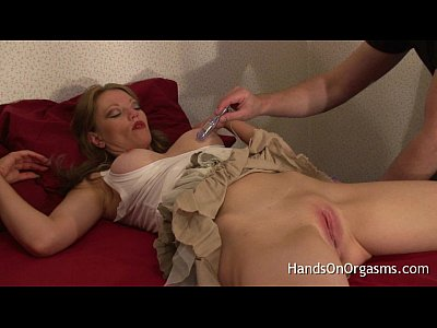 Milf Redhead Pussy video: Relaxing MILF Brought to Multiple Intense Orgasms