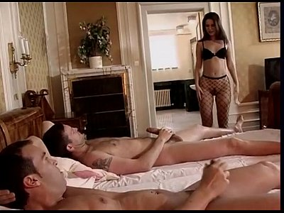 Brunette Facial Threesome video: Dp on bed