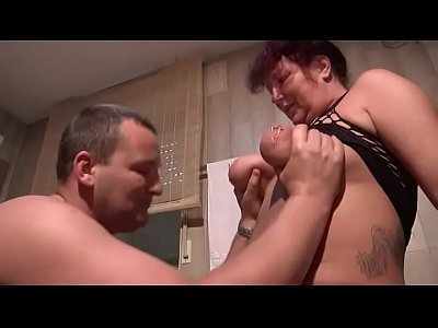 German Amateur Hardcore video: Geiler Fick im Badezimmzer - AMATEUR