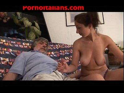Teen italiana figlia tettona fa pompino al papa' cazzo grosso porno incesti