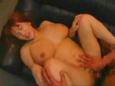 豊満巨乳の人妻が歓喜の喘ぎ声をあげて悶えおっぱいにザーメンを浴びる