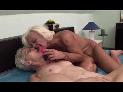 Hairy Lesbian Tribbing video: Lesbian grannies having fun