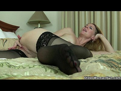 Stockings Solo Milf video: American milfs Lacy and Artemisia need to rub one out