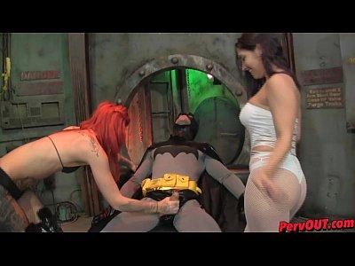 Batman Este Agresat Sexuala De Doua Bunaciuni Nimfomane