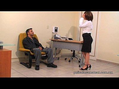 Fodendo a secretaria quente