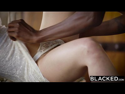 Brunette Gagging Riding vid: BLACKED Hot Model Taylor Sands Takes BBC