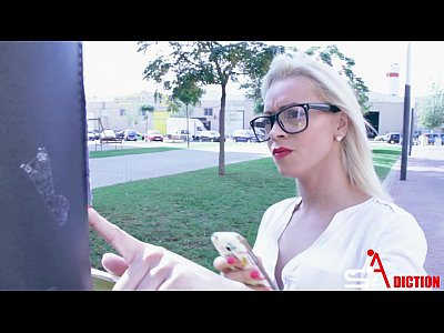 Blowjob Cumshot Fucking video: She is secretary (Anita Ribeiro)