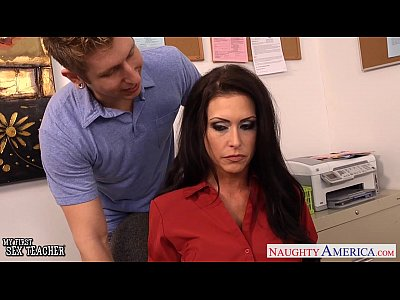 Porno video: Busty sex teacher Jessica Jaymes fuck in class
