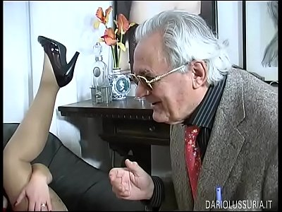 Gangbang Italian Fetish video: Much more than Possible