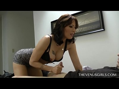 Fetish Footjob Mom video: TheVenusGirls.com - 2014-05-06 - Zoey Holloway - Give M0Mmie Your Cum from Mommy Knows Best 10